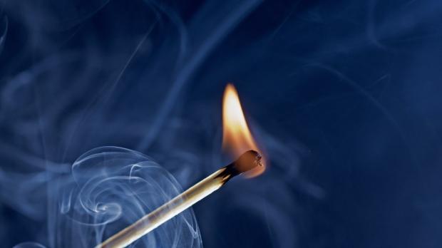 match_fire_smoke_close-up_82991_1920x1080